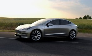 Дорогая и бессмысленная: независимый эксперт разобрал Tesla Model 3 и нашел сотни проблем