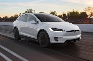 В Tesla обнародовали отчет о количестве смертельных аварий электрокаров с автопилотами