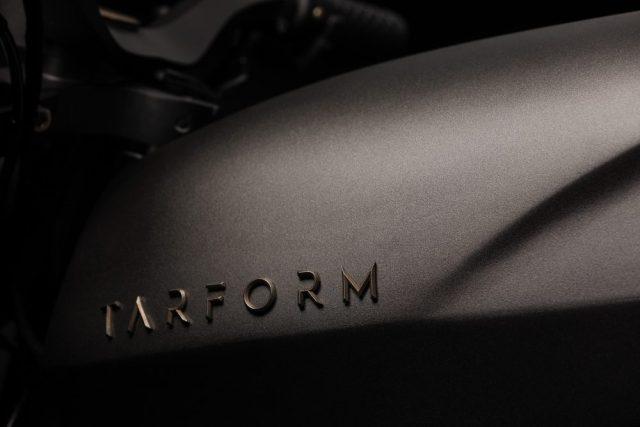 Брутальная классика: стартап с украинскими корнями представил в Нью-Йорке электромотоцикл Tarform