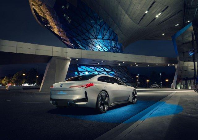В BMW уточнили, когда начнется выпуск нового электрокара i4