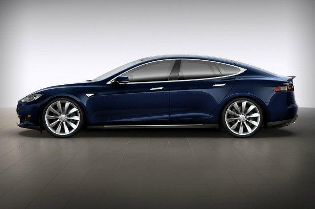 Американец придумал, как с помощью новой функции Tesla не платить за парковку