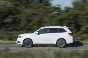 Только гибриды: Mitsubishi откажется от выпуска электромобилей