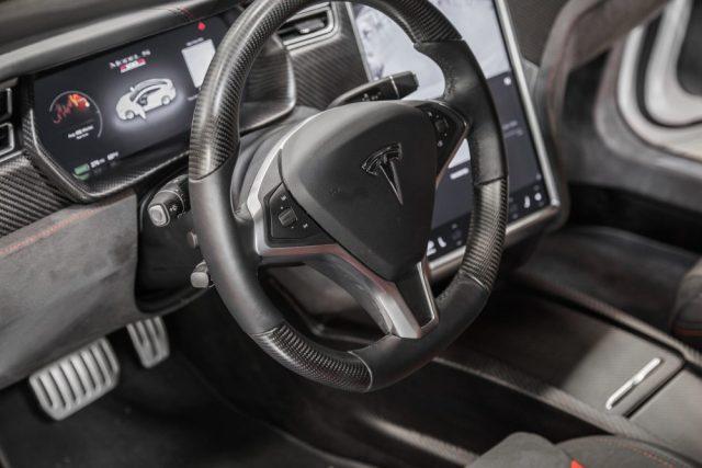 Как AMG для Mercedes: на выставке SEMA представили тюнингованную Tesla Model S P100D