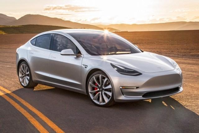 Илон сказал, Маск сделал: Tesla начала производить по 1 000 электромобилей Model 3 в день