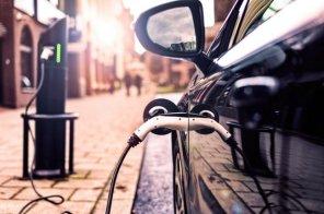 Электрозаправкам в Украине выделят 5% мест на АЗС и парковках: Минрегион разработал новые нормы