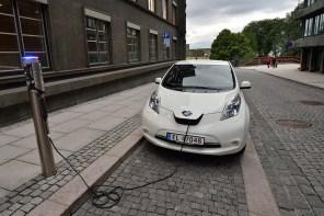 Каждый третий - электромобиль: в Норвегии установили мировой рекорд продаж электрокаров