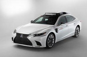 """Toyota показала """"беспилотник"""" на базе Lexus LS с несколькими системами автономного вождения"""