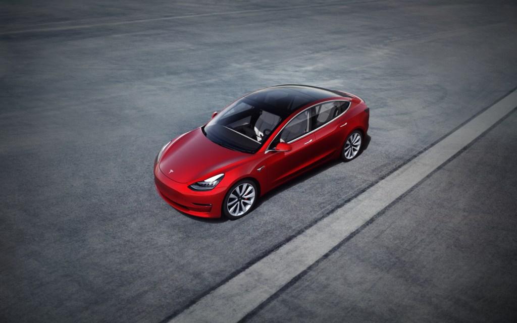 Tesla Model 3 установила рекорд продаж электромобилей в США