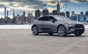 """Конкуренция с Tesla вынудила Jaguar предложить """"нулевой"""" кредит на электромобиль i-Pace"""