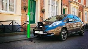 Сезонное явление: продажи электромобилей в Украине упали на 12%. Инфографика