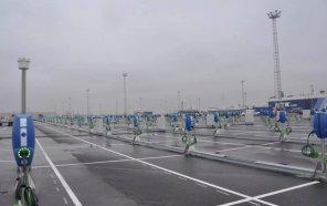 Для прибывших в Европу Tesla Model 3 в порту оперативно установили 300 зарядных станций