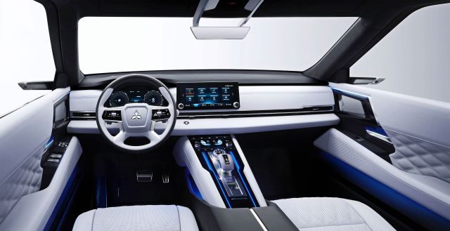 Outlander будущего: Mitsubishi показала футуристический гибридный кроссовер Engelberg Tourer