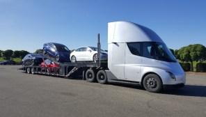Опытный образец грузовика Tesla Semi привлекли для перевозки электромобилей