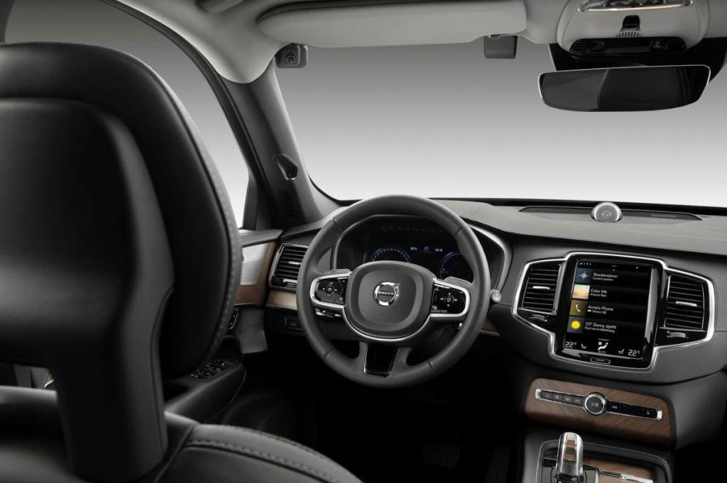 Volvo внедряет новые способы борьбы с невнимательностью за рулем