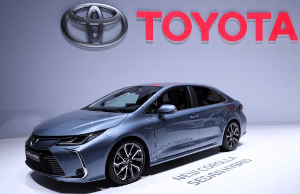 Toyota открывает бесплатный доступ к своим гибридным технологиям