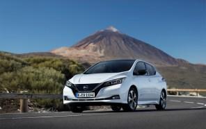 Австралийцы разбили электромобиль Nissan LEAF и сняли это на видео