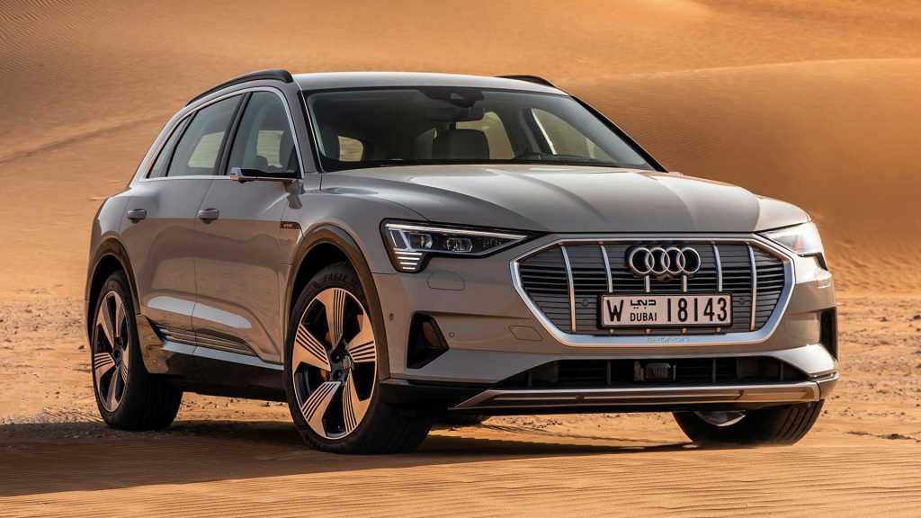 В соцсетях выявили непристойное значение названия Audi e-tron на французском языке