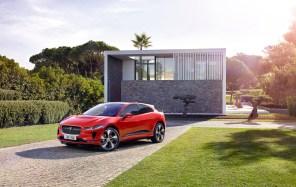 К существующим 63 наградам электромобиля Jaguar I-PACE прибавилось еще три