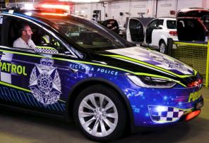 Полицейские Австралии пересядут на электромобиль Tesla Model X