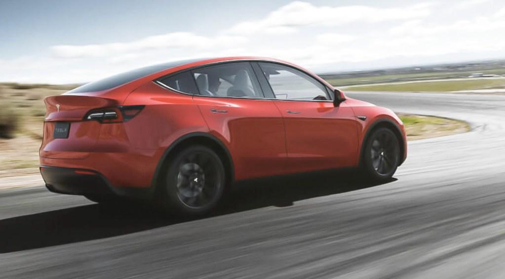 Tesla выпустит Model Y осенью 2020 года 02