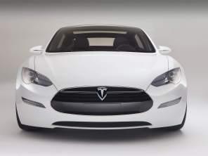 Продажи авто на электротяге в мире выросли на 12%: Tesla отстает от китайцев