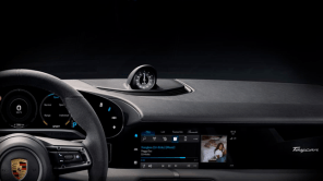В электромобиль Porsche Taycan встроят сервис Apple Music с бесплатным интернетом на 3 года