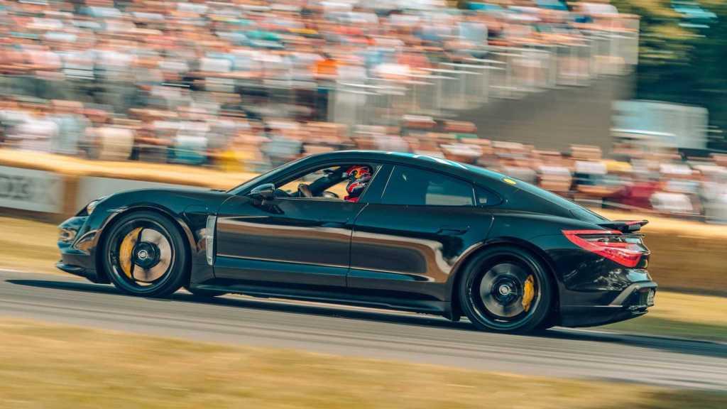 Запомните эту дату: 4 сентября представят электромобиль Porsche Taycan