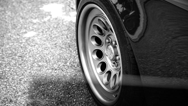 Виглядає шикарно: класичну Alfa Romeo перетворили на електромобіль