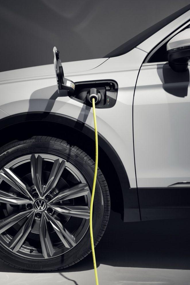 До 50 км на електриці: Volkswagen розпочав продажі гібридного кросовера Tiguan eHybrid