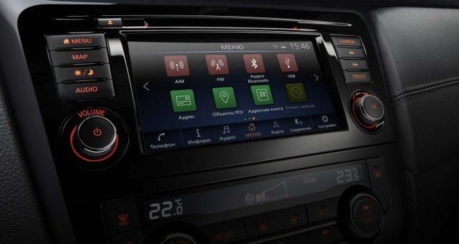 Дослідження: сенсорні екрани відволікають водіїв від дороги не менше, ніж смартфони