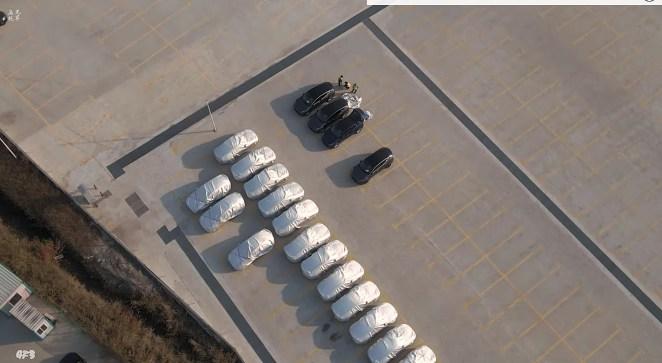 На заводі Tesla в Шанхаї зібрано першу партію кросоверів Model Y: з