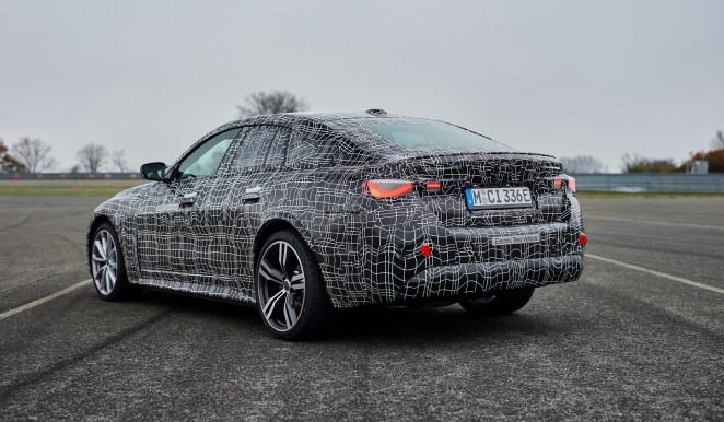 BMW розкрила характеристики електричного «гранд купе» i4: опубліковано відео з випробувань