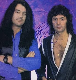 Ritchie Blackmore autographed page – Deep Purple