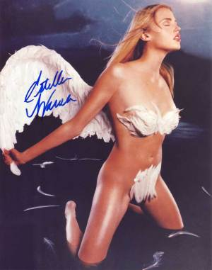 Estella Warren in-person autographed photo