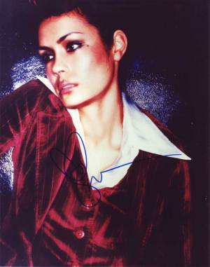 Shannyn Sossamon in-person autographed photo