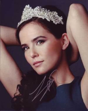 Zoey Deutch in-person autographed photo