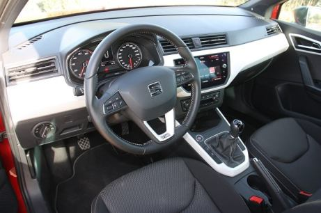 seat_arona_1.0TSi_115hp_autoholix_01