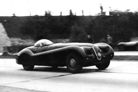 jabbeke-6-1953-norman-dewis-driving-xk120-drivr-be