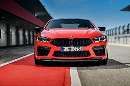 P90368405_lowRes_the-new-bmw-m8-compe