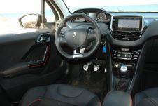Peugeot_208_1.5_autoholix.017