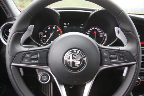 Alfa Romeo Giulia Veloce Q4 06