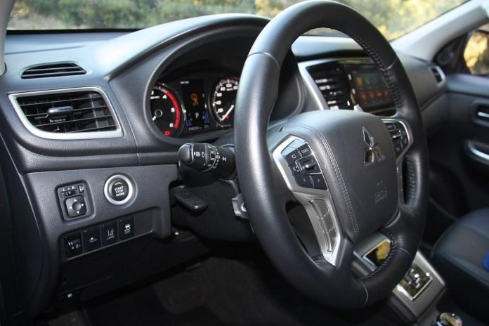 Mitsubishi L200 Double Cab 2.2 D Auto 05