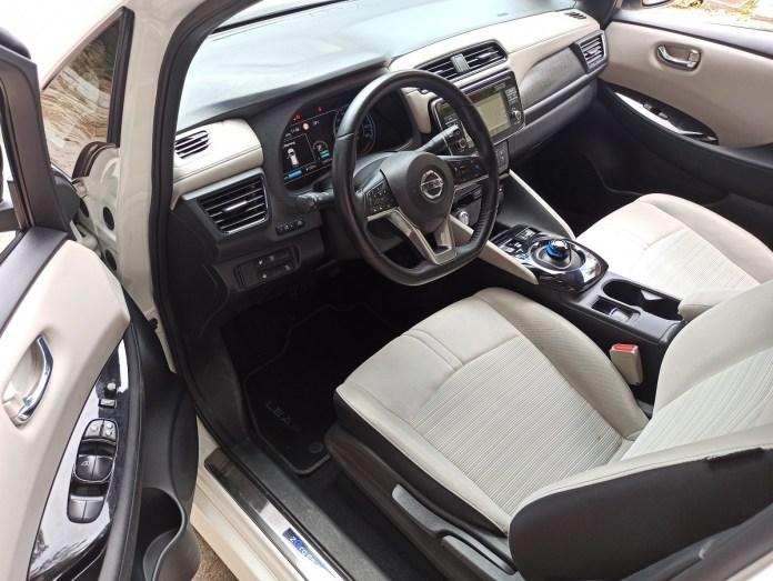 Nissan Leaf autoholix 25