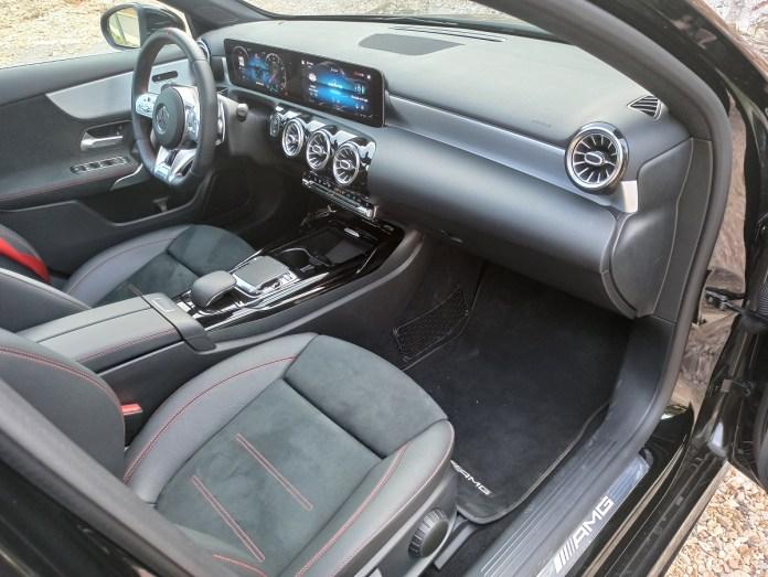 Mercedes AMG A35 sedan 4MATIC 306PS autoholix 2020 026