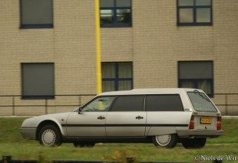 1280px-1991_Citroën_CX_TGD_Break_Service_(10593390935)