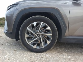 Hyundai Tucson 1.6 T 48V Hybrid 180 PS 4WD autoholix 012