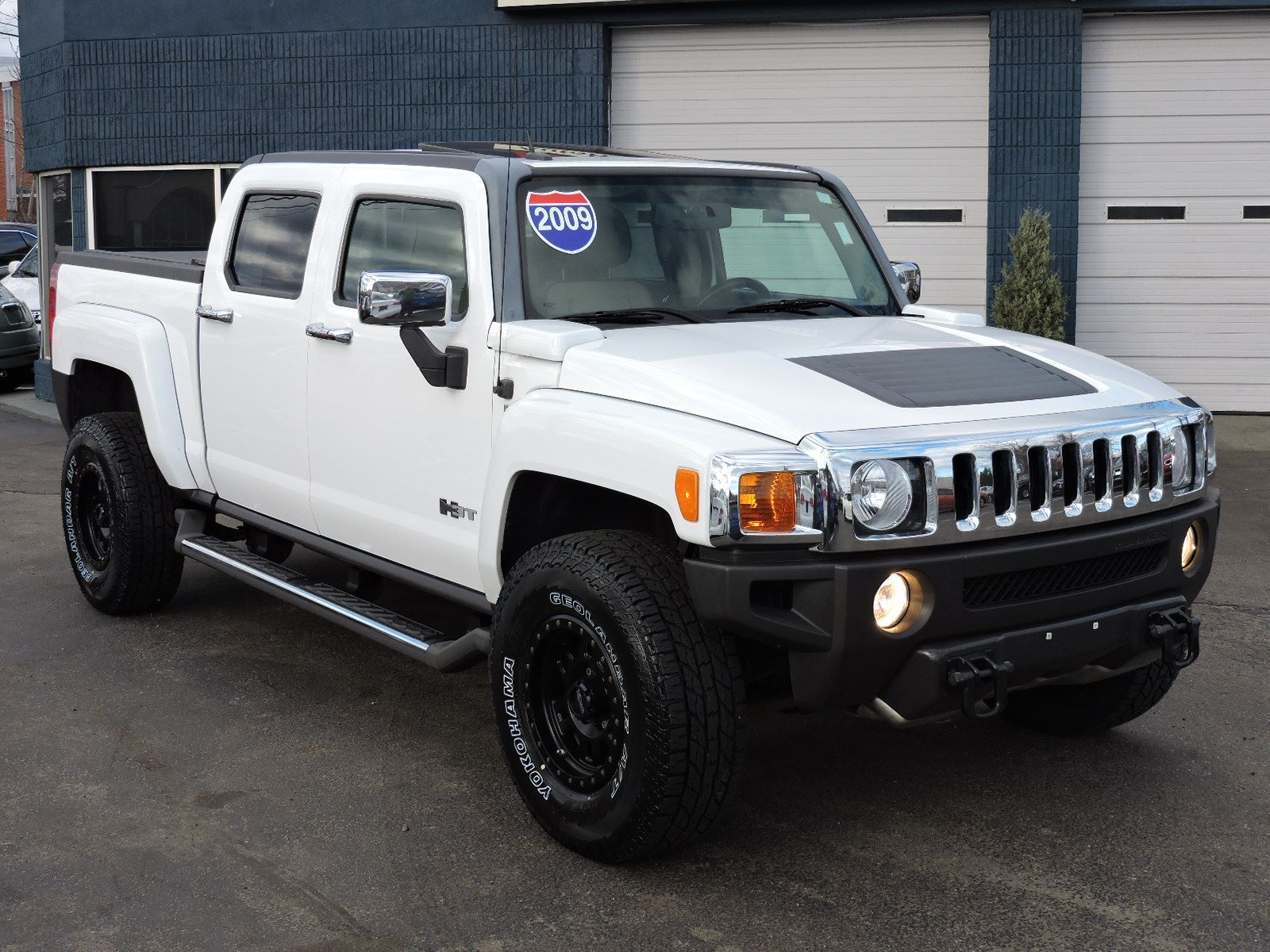 Used 2009 HUMMER H3 H3T Luxury at Auto House USA Saugus