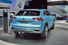 VW Cross Coupe GTE 29 NAIAS 2015
