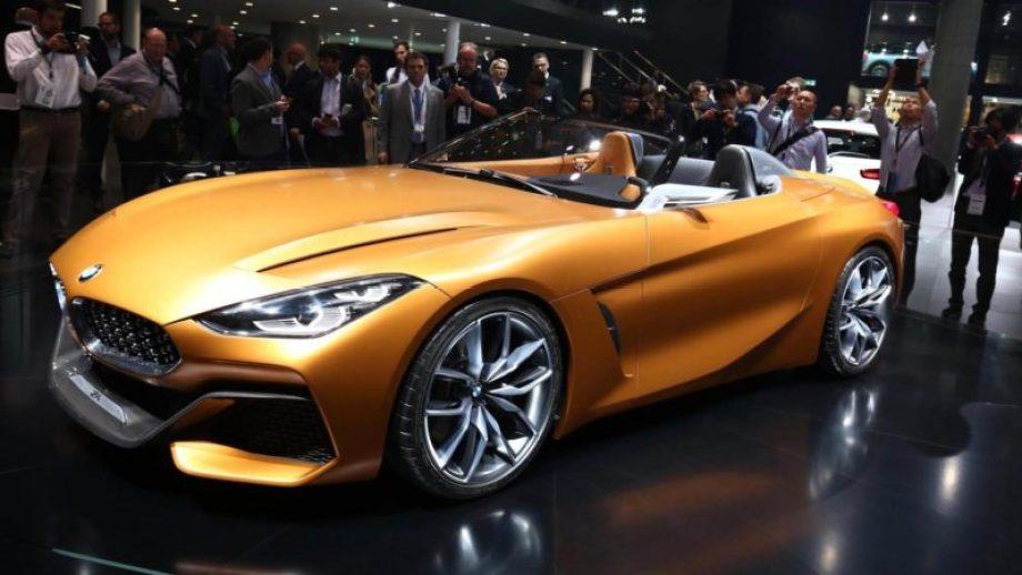 BMWZ4の3眼LEDヘッドライト