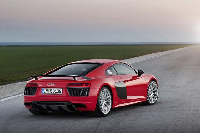 第2世代(2015年):Audi R8 V10 plus
